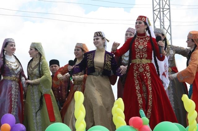 Эмине Мустафаева и Асие Саале